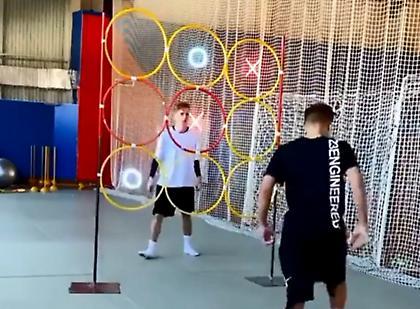 Λύση για την καραντίνα: Ποδοσφαιρική τρίλιζα (video)