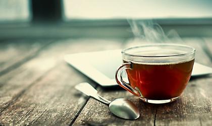 Με ποιον τρόπο το τσάι προστατεύει τα δόντια σας;