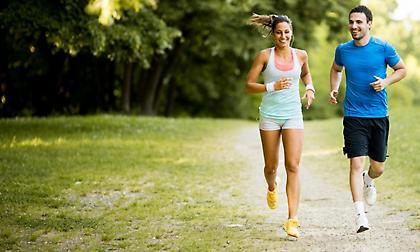 Το χαλαρό τρέξιμο καταπονεί λιγότερο τα πόδια από το περπάτημα!