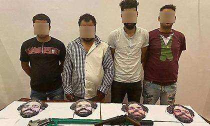 Αίγυπτος: Συνελήφθησαν τέσσερις ληστές που έκλεβαν φορώντας μάσκες με το πρόσωπο του Σαλάχ