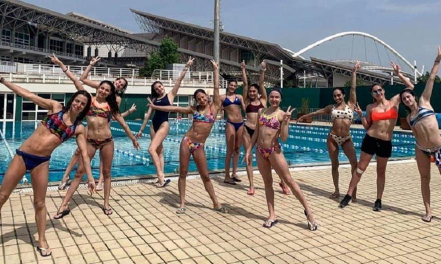 Μπήκε στην πισίνα η Εθνική καλλιτεχνικής κολύμβησης