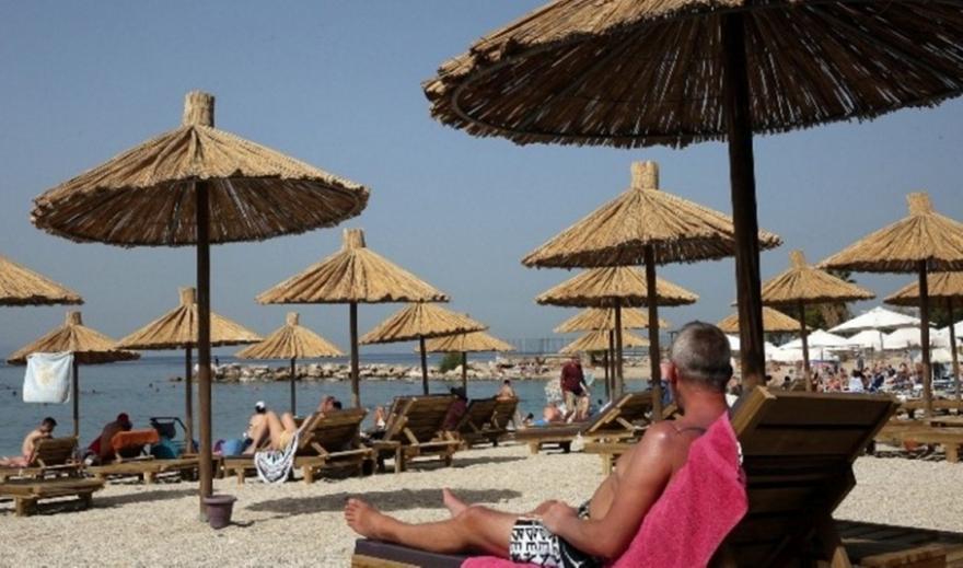 Αυτές είναι οι 29 χώρες που θα στείλουν πρώτες τουρίστες στην Ελλάδα - Λίστα