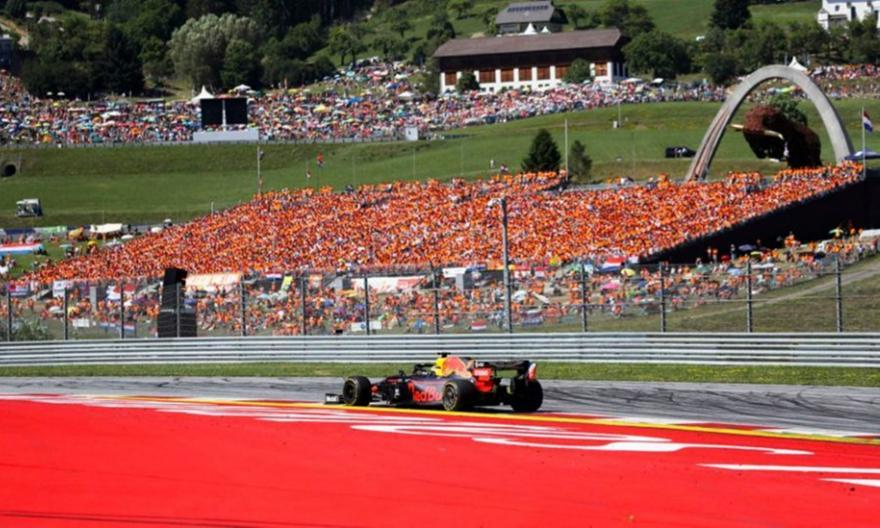 Και… τυπικά κεκλεισμένων των θυρών η έναρξη της Formula 1 στην Αυστρία