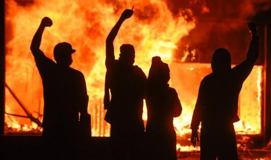 ΗΠΑ: Σε ετοιμότητα στρατιωτικές μονάδες για επέμβαση στη Μινεσότα