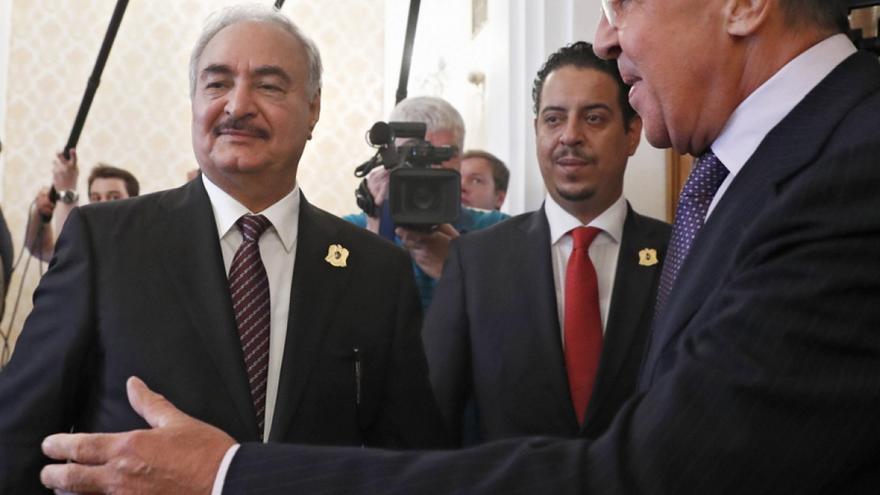 Τι ρόλο παίζει η Ρωσία στη Λιβύη: Υβριδική στρατηγική με μισθοφόρους για τον Χαφτάρ