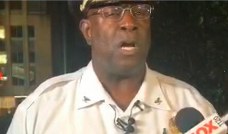 Σεντ Λούις: 4 αστυνομικοί τραυματίες - Kλάματα on camera του επικεφαλής τους (vid)