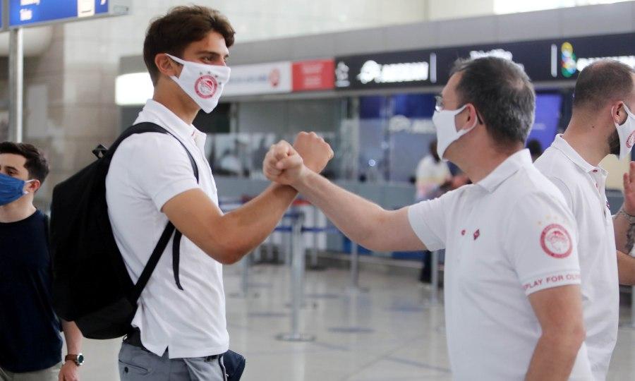 Η αναχώρηση του Ολυμπιακού για Θεσσαλονίκη