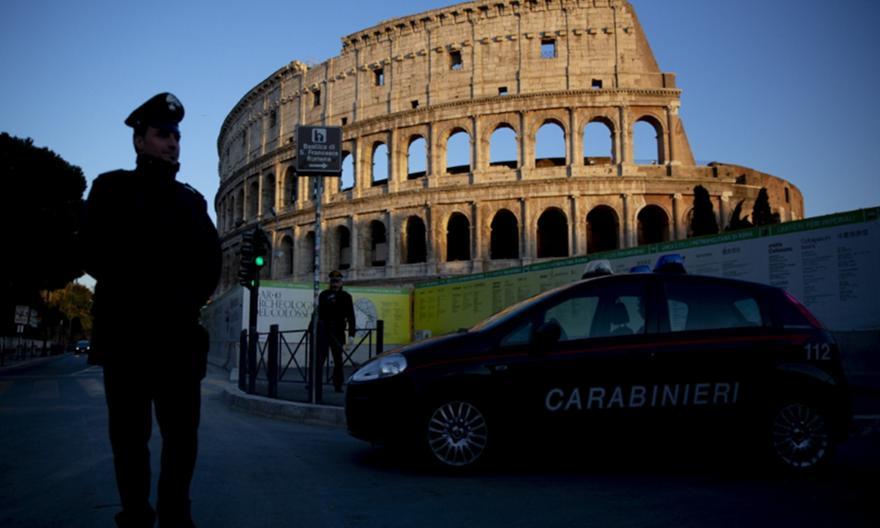 Επίθεση νεοφασιστών κατά δημοσιογράφων και αστυνομικών στο κέντρο της Ρώμης