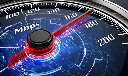 Ευρυζωνικές συνδέσεις: Οι Έλληνες «σπάνε τα διαδικτυακά κοντέρ» λόγω… κορωνοϊού