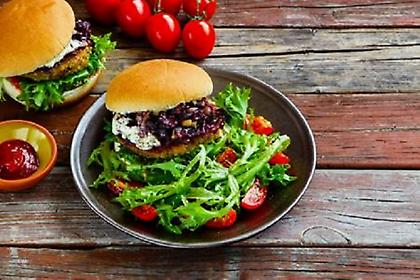 Πότε μια σαλάτα παχαίνει περισσότερο από… ένα μπέργκερ!