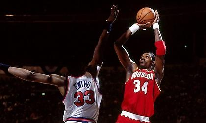 NBA: Το πρώτο πρωτάθλημα των Ρόκετς με ηγέτη και MVP τον Χακίμ! (videos)