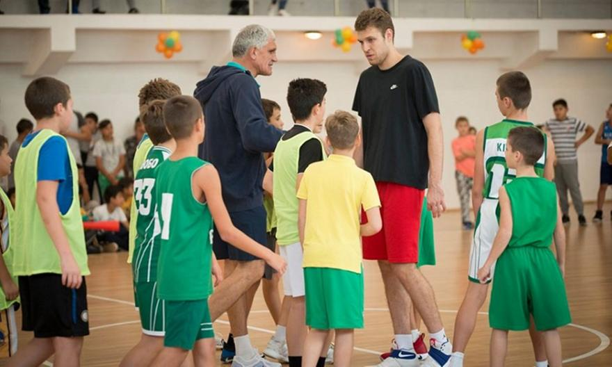 Πατέρας Βεζένκοβ: «Θέμα χρόνου να υπογράψει στον Ολυμπιακό» - Μπάσκετ -  Ελλάδα - Ολυμπιακός Μπάσκετ - Ολυμπιακός | sport-fm.gr: bwinΣΠΟΡ FM 94.6