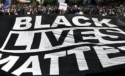 Μήνυμα Black Lives Matter στα παρκέ του Ορλάντο!