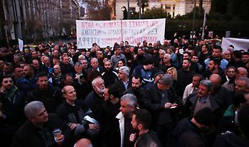 Βουλή: Σκληρό «ροκ» στην έναρξη της μάχης επί του νομοσχεδίου για τις διαδηλώσεις
