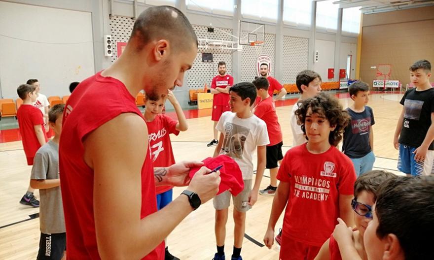 Στο «Summer Workout» των Ακαδημιών του Ολυμπιακού ο Κόνιαρης