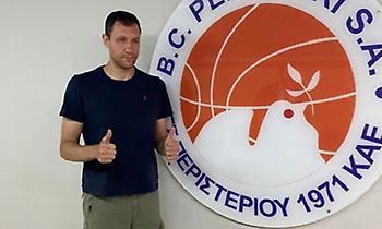 Υπέγραψε στο Περιστέρι ο Μαυροκεφαλίδης!