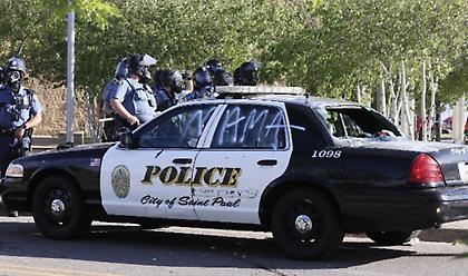 Συναγερμός στην Ουάσιγκτον: Αυτοκίνητο έπεσε σε διαδηλωτές - 2 τραυματίες