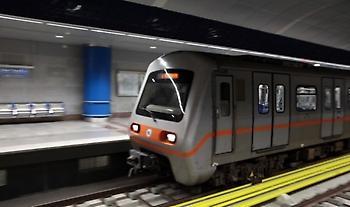Τραυματισμένος ανασύρθηκε άνδρας που έπεσε στις ράγες του μετρό