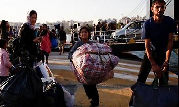 Λέσβος: Μετακινήθηκαν ακόμη 2.114 πρόσφυγες - Έφτασε βάρκα με 27 άτομα