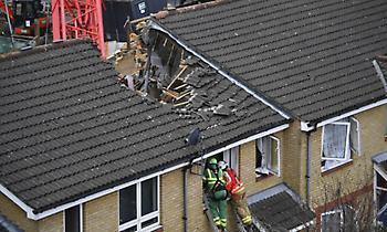 Ενας νεκρός και τέσσερις τραυματίες από την κατάρρευση γερανού στο Λονδίνο