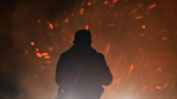 Σε δασική έκταση και σε απόσταση ασφαλείας από τον οικισμό η φωτιά στον Δήμο Σαπών
