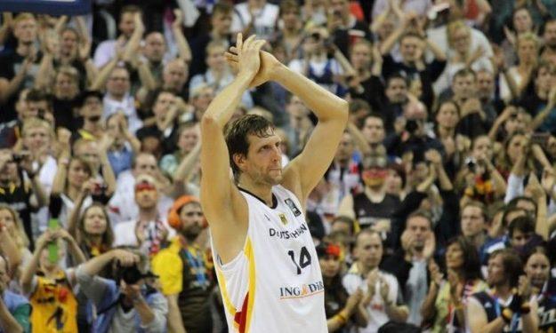 Νοβίτσκι: Όταν «σκότωσε» τους Ισπανούς και έστειλε την Γερμανία στον τελικό του 2005 (video)