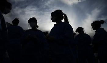 ΗΠΑ: 411 νέοι θάνατοι και 59.222 νέα κρούσματα κορωνοϊού
