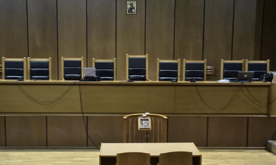 Δίκη «συμμορίας»: Από 1/9 η συνέχεια – Βίντεο από το Ολυμπιακός-Βέροια καταθέτει η πλευρά Μαρινάκη