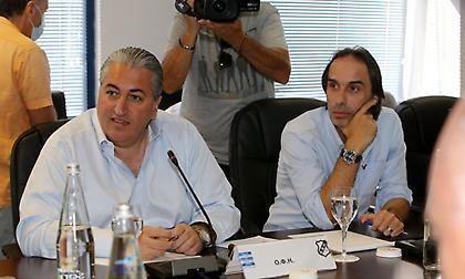 Μπούσης: «Αν θέλετε να γίνουμε 16, προτείνω να γίνουμε… 40 - Αστείο αυτό που γίνεται στην Ελλάδα»