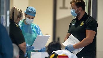Πάνω από 51.000 οι θάνατοι από κορωνοϊό σε Αγγλία και Ουαλία