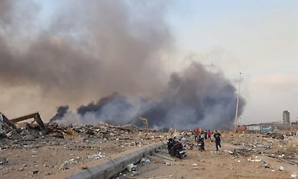 Λίβανος: Ισχυρή έκρηξη στο λιμάνι της Βηρυτού - Φόβοι για πολλά θύματα (pics+vid)