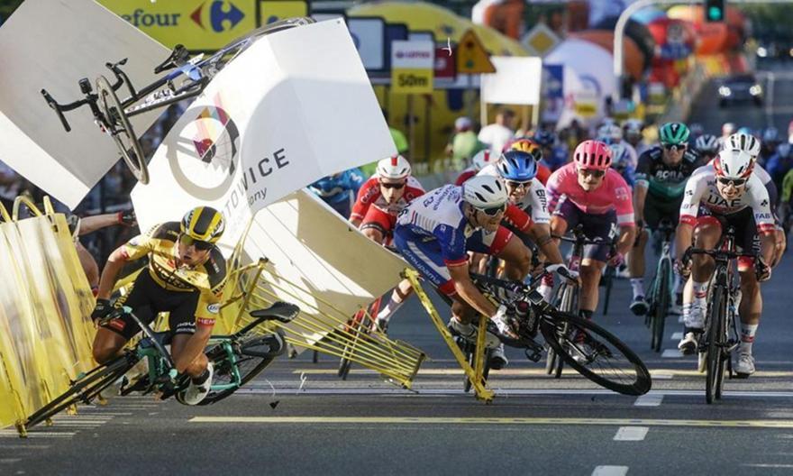 Σε τεχνητό κώμα ποδηλάτης μετά από σοβαρό ατύχημα σε αγώνα στην Πολωνία