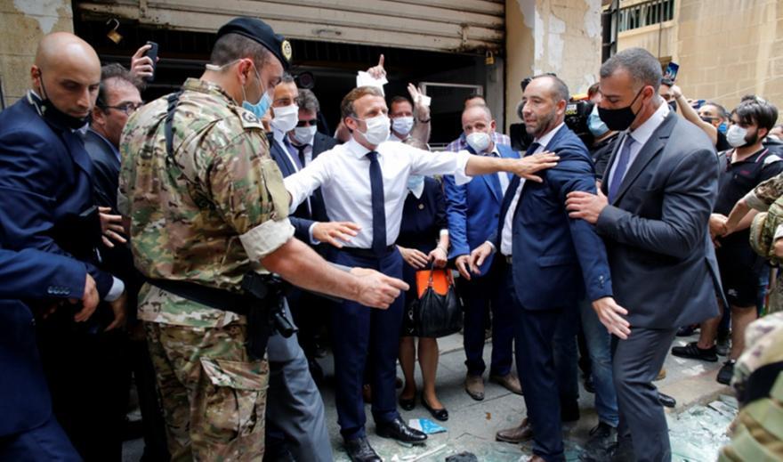 Οργή μετά το σοκ στον Λίβανο: Τι φώναζαν στον Μακρόν - Η έρευνα για το νιτρικό αμμώνιο (pics,vid)
