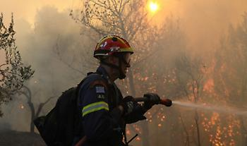 Μεγάλη Φωτιά στη Μάνη - Εκκενώνεται προληπτικά οικισμός