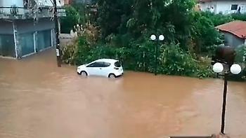 Δύο νεκροί από τις πλημμύρες στην Εύβοια - Απεγκλωβισμοί με Σούπερ Πούμα και λέμβους