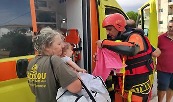 Σε εξέλιξη επιχειρήσεις διάσωσης στην Εύβοια – Σύσκεψη Χαρδαλιά στα Βασιλικά