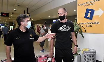 Έφτασε και ο Λοτζέσκι για την ΑΕΚ (pics)