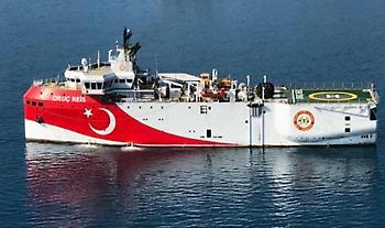 Εντός ελληνικής υφαλοκρηπίδας παραμένει το Ορούτς Ρέις-Σε πλήρη διάταξη το Πολεμικό Ναυτικό