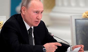 Το ρωσικό υπουργείο Υγείας ενέκρινε το εμβόλιο του κορωνοϊού - Εμβολιάστηκε η κόρη του Πούτιν