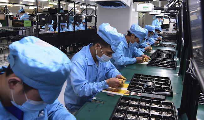 Ίχνη κορωνοϊού σε συσκευασίες κατεψυγμένων θαλασσινών στην Κίνα