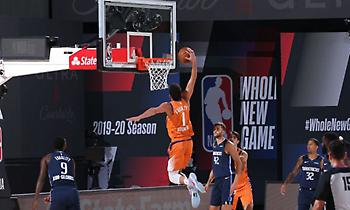 NBA: Θέαμα με τον Μπούκερ στην κορυφή