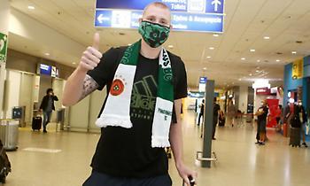 Έφτασε Αθήνα ενθουσιασμένος ο Ουάιτ για Παναθηναϊκό