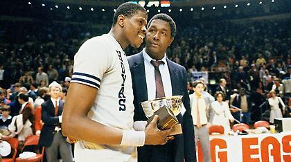 Θλίψη στο NCAA: «Έφυγε» ο Τζον Τόμπσον