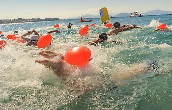 Ο Αυθεντικός Μαραθώνιος Κολύμβησης αναβίωσε 2.500 χρόνια μετά στο Αρτεμίσιο