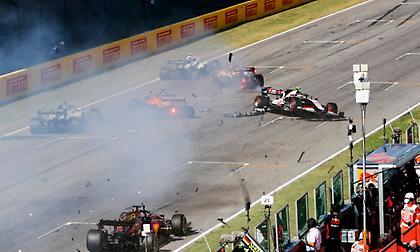 F1: Ο χαμός της επανεκκίνησης (video)