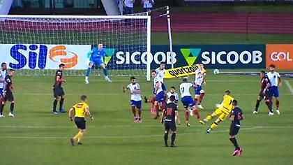 Γκολάρα νίκης από τερματοφύλακα στο πρωτάθλημα Βραζιλίας (video)