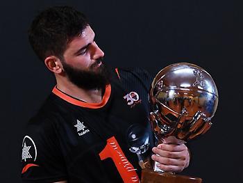 Ο Ντούμπλιεβιτς ο πολυτιμότερος του τουρνουά της Βαλένθια (video)