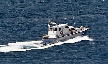 «Συναγερμός» για ακυβέρνητο σκάφος με 55 μετανάστες