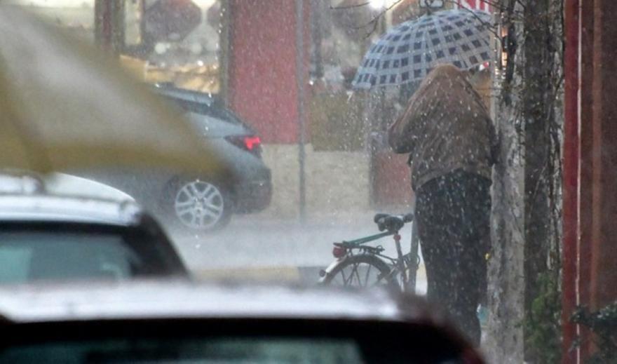 Έκτακτο δελτίο ΕΜΥ: Πώς θα κινηθεί ο Ιανός το σαββατοκύριακο, το σκηνικό του καιρού για Αττική