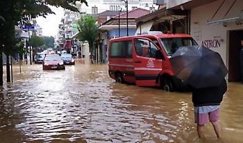 Κακοκαιρία Ιανός: 896 απεγκλωβισμοί – διασώσεις από την Πυροσβεστική